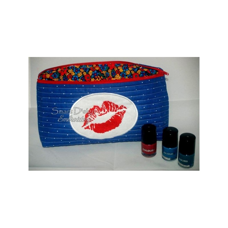 ITH Cosmetic Bag KISS 7x12 inch