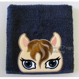 Peeker Applique Horse- 5x7 inch