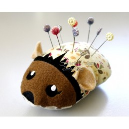 ITH HEDGEHOG Pincushion 5x7 inch