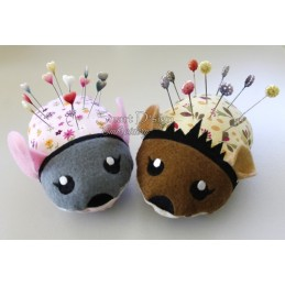 2 x ITH MOUSE & HEDGEHOG Pincushion 5x7 inch