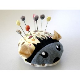 ITH HEDGEHOG Pincushion 4x4 inch