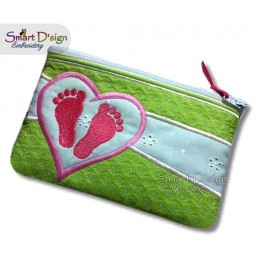 ITH Footprint Baby Applique 7x12 inch Zipper Bag