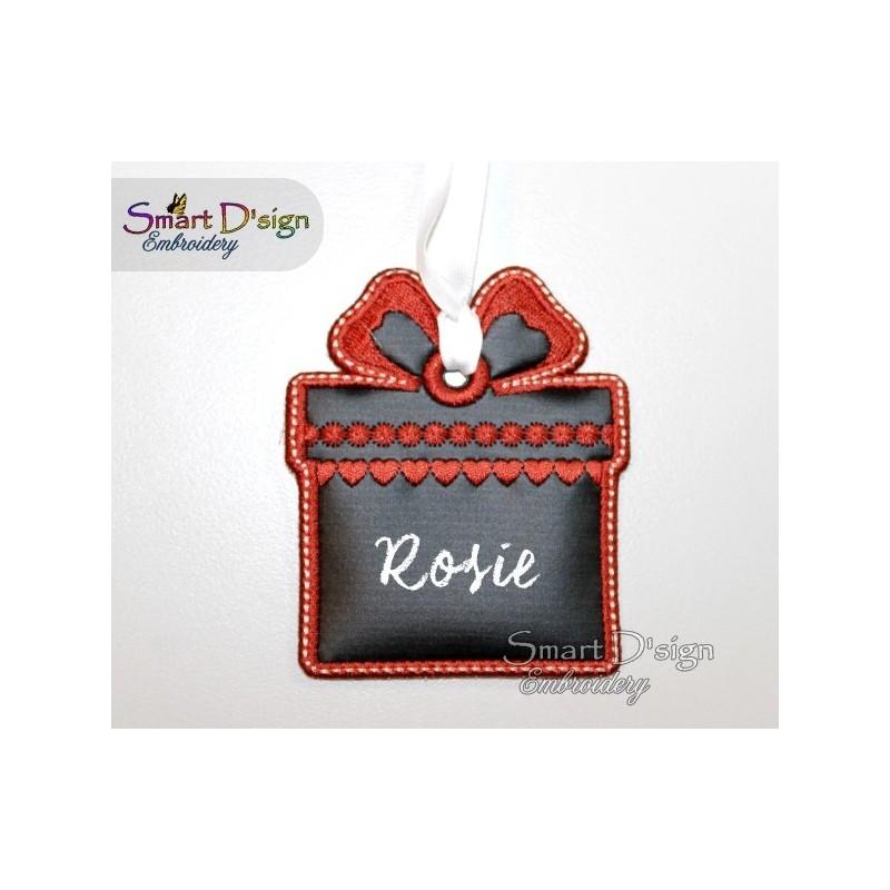 ITH Giftbox Christmas Tag Chalk Cloth 4x4 inch